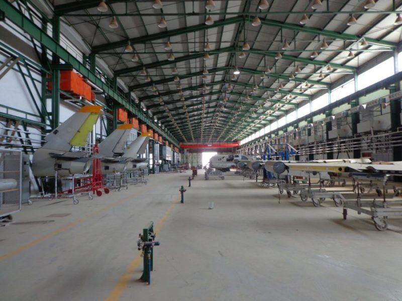 Авиаремонтный завод в Таманхит