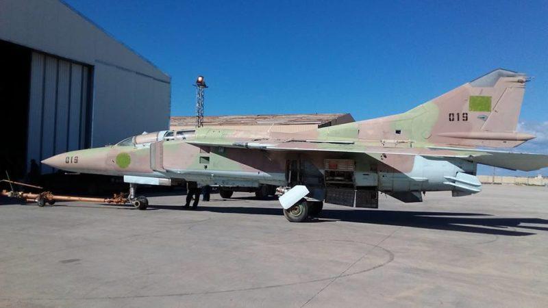 Ливийский МиГ-23УБ N019