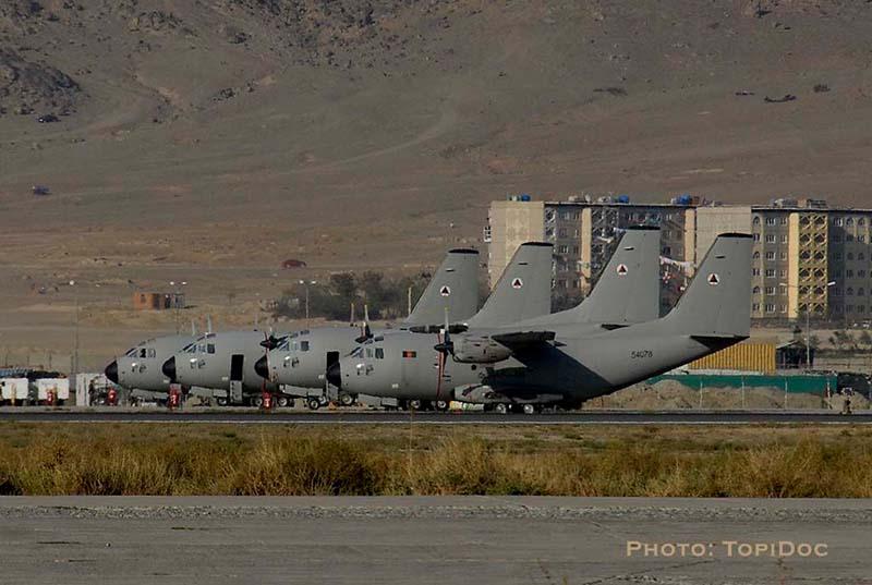 С-27 Спартан на фоне Кабула