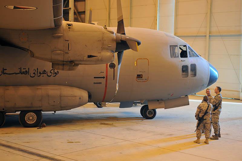 Афганский С-27 в ангаре