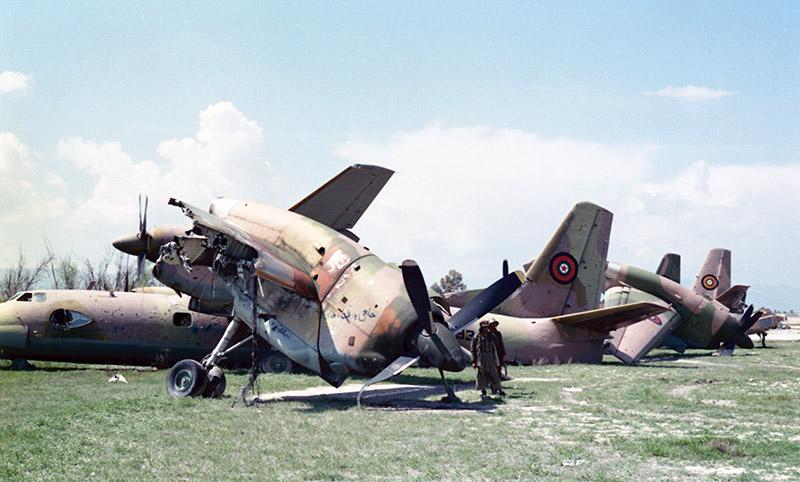 Оторванные крылья и моторы афганских Ан-32