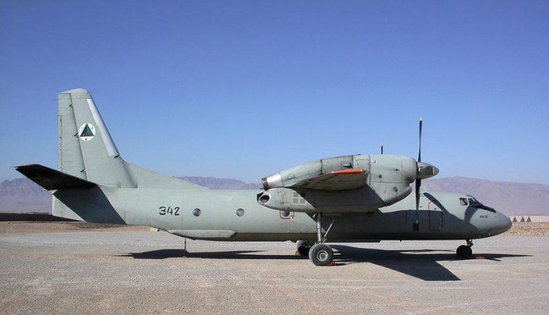 Ан-32 N342 на грунтовом аэродроме в Афганистане