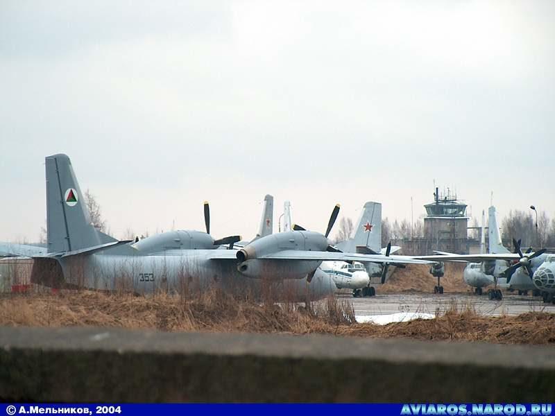 Афганский Ан-32 N353 на 308-м АРЗ