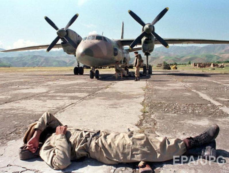 Афганский Ан-32 принадлежащий одной из таджикских группировок моджахедов
