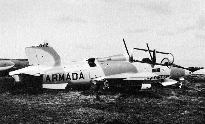 Захваченный англичанами на Фолклендах Aermacchi MB-339A 4-A-112