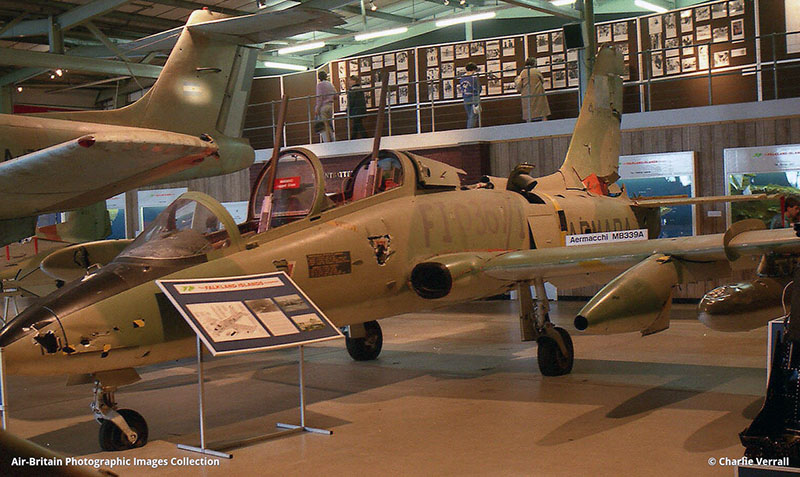 Aermachhi MB-339A в музее британской морской авиации, 1983