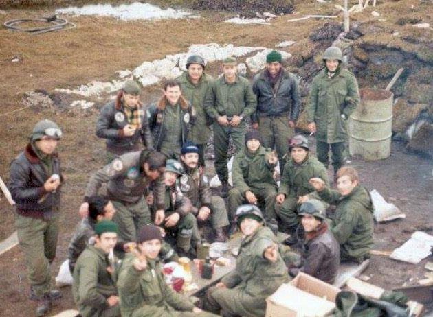 Столовая 1-й штурмовой эскадрильи на авиабазе Мальвинас