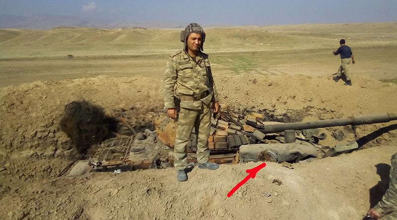 Армянский танк сгоревший в результате попадания дрона-камикадзе