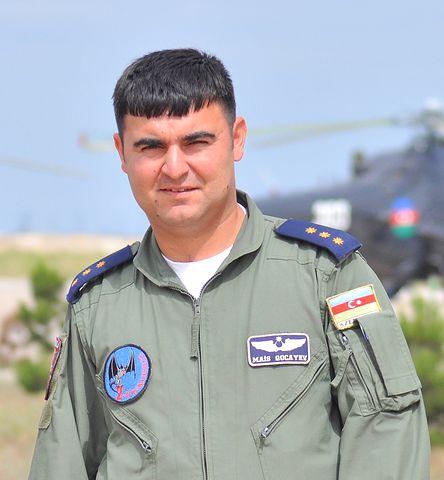 Вертолетчик с эмблемой 2-й эскадрильи