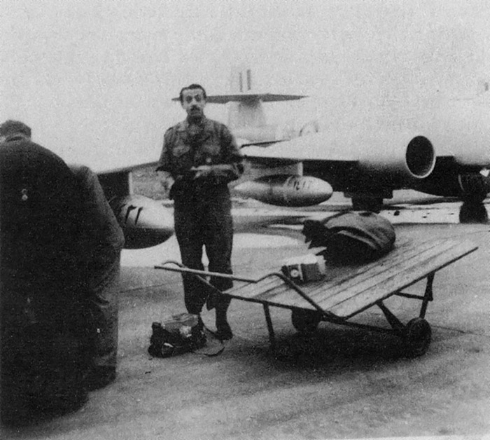 Egypt Meteor F-8 N1422 and N1416 at december 1952