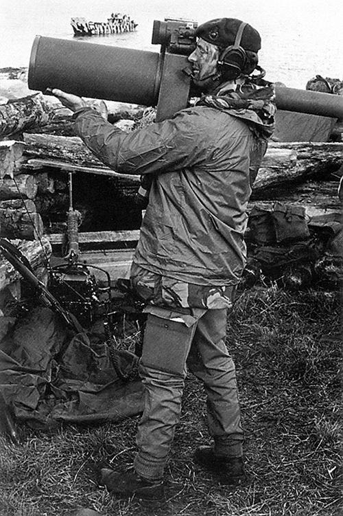 Британский солдат с ПЗРК Blowpipe