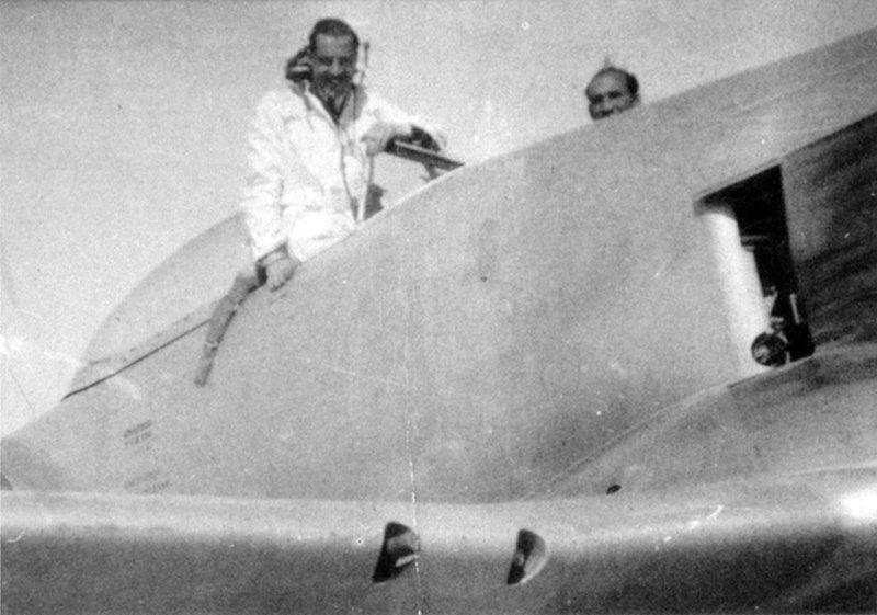 Египетский пилот в кабине Hawker Fury