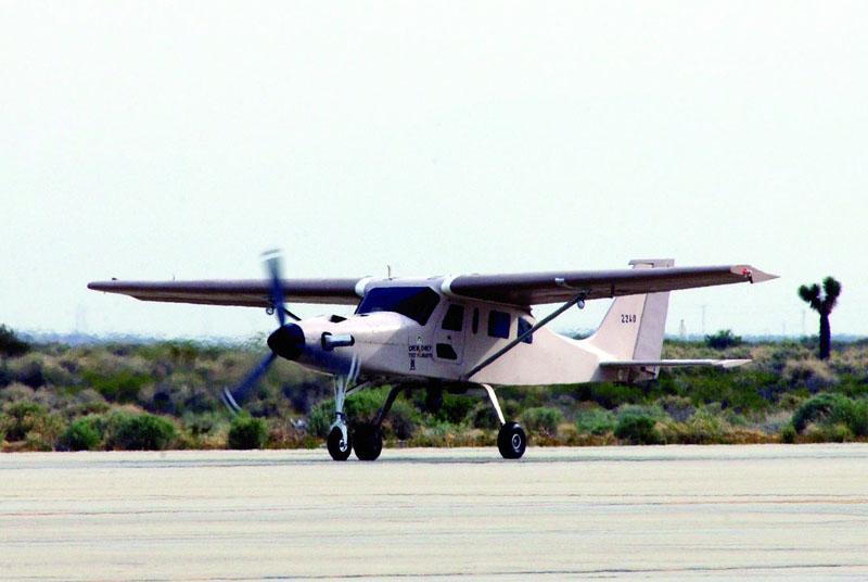 Взлет иракского Comp Air 7SLX с авиабазы Эдвардc