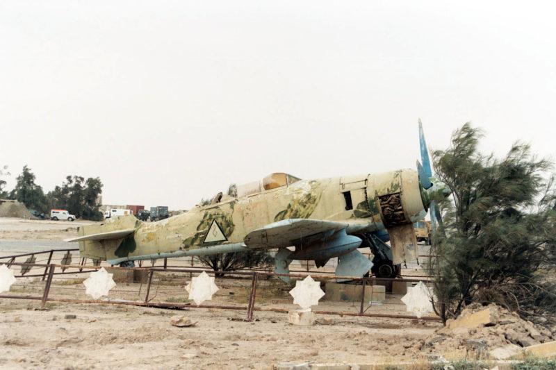"""Спарка"" Хаукер Фьюри Т-20 служила памятником на авиабазе Шайбах"