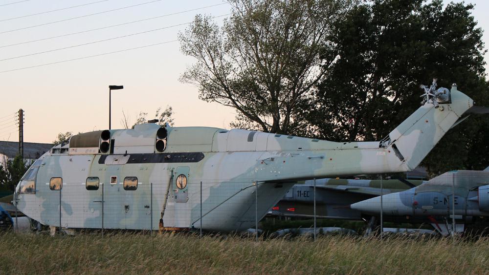 Супер Фрелон N186 - не видны следы принадлежности к иракской авиации