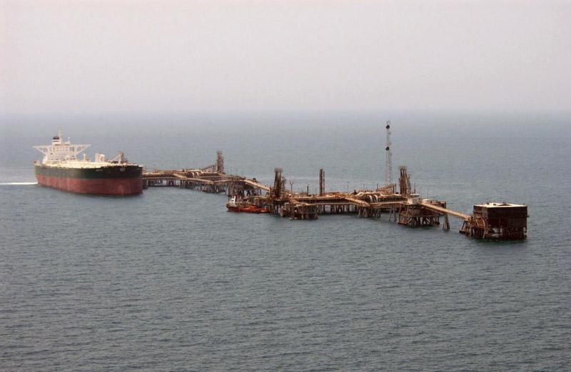 Общий вид на иракский нефтеналивной терминал Мина Аль-Бакр