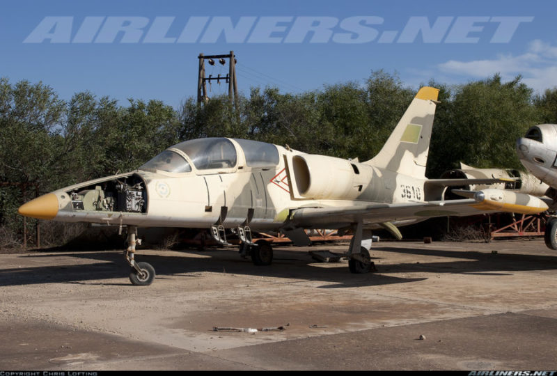 Ливийский L-39 N3610 на кладбище
