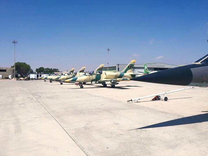 Ливийский Л-39 N9443 вместе с Миражом F-1