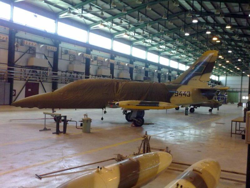 Отремонтированный Л-39 N9443 в цеху ливийского ремзавода