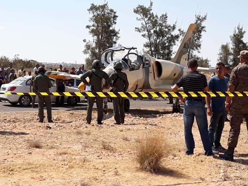 Севший в Тунисе ливийский Л-39