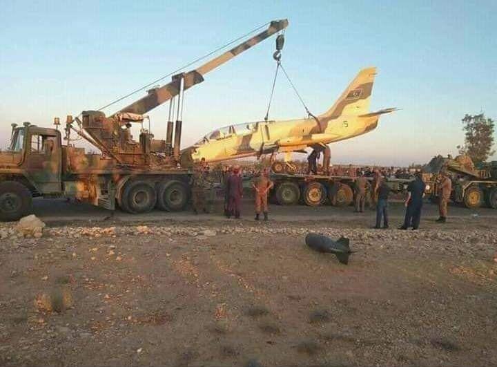 Погрузка ливийского Л-39 на трейлер