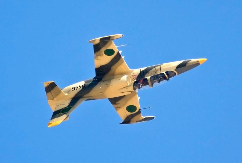 Л-39 N9445 в перевернутом полете