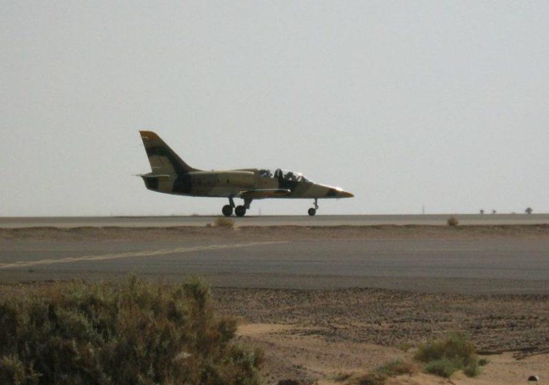 Взлетает ливийский Л-39 N9446