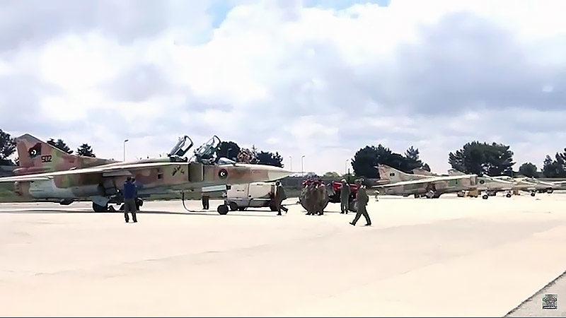 Ливийский МиГ-23УБ N7502
